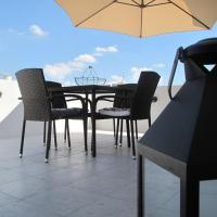 LET ME HOST - Rue D'Argens، فندق في إيل جزيرا