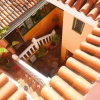Hostel Tenerife, отель в городе Ла-Оротава