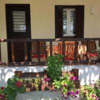 Sotiroulis Apartments, ξενοδοχείο στη Νέα Μεσάγκαλα