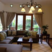 Pasteur Beautiful Luxury Home, hotel near Husein Sastranegara Airport - BDO, Bandung