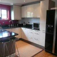 Modern Apartment Finchley Central, hotel in Finchley