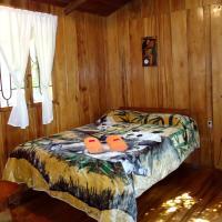 Cabañas Armonía y Jardín de Orquídeas, hotel em Mindo
