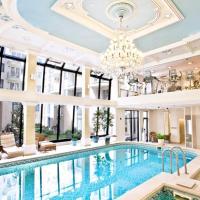 Queen's Court Hotel & Residence, מלון בבודפשט