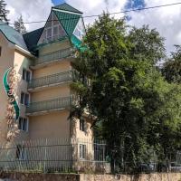 Звездный, отель в Домбае