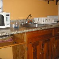 Villa Criss at Chrisanns, hotel in Ocho Rios