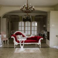 HERRENHAUS KUNZWERDA bei TORGAU - ApartHotel, BoardingHouse, WOHNEN auf ZEIT,托爾高的飯店