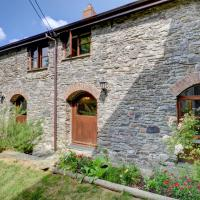 Spacious holiday home in Parracombe with Garden, hotel in Stoke Rivers