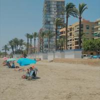 Apartamento a 50 metros de la playa en Santa Pola, hotel en Santa Pola