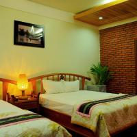 Green hotel, hotel in Kon Tum