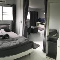 T11 Popula Condo by Prathomlerk, hotel a Pak Kret