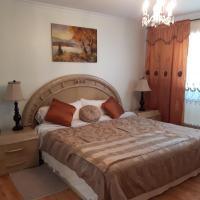 Three bedroom holiday apartment, hotel near Montréal/St-Hubert Airport - YHU, Longueuil