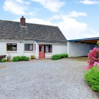 Quaint holiday home in Bwlch-y-groes with Garden
