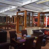 Cheers Cafe Bar & Tavern, hotel in Fraserburgh