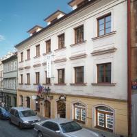 Little Quarter Hostel & Hotel
