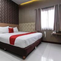 RedDoorz Plus @ Tuparev Cirebon, hotel in Cirebon