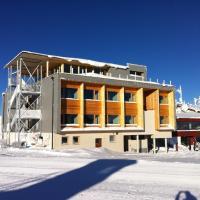 Venet Gipfelhütte, hotel in Zams