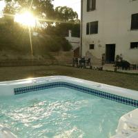 Casale delle Rondini, hotel din Notaresco