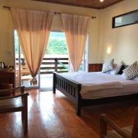 Riverview Bungalows & GH, hotel in Muang Ngoy