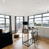 Panoramic Peckham Home by the Overground Station