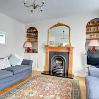 Vintage Holiday Home in Tenby with Garden