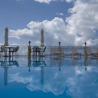 Oceanis Rooms Apartments, hôtel à Barbati