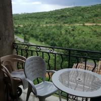 Résidence les Cades, hotel in Esparron-de-Verdon