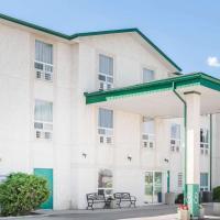 Super 8 by Wyndham Dauphin, hotel em Dauphin