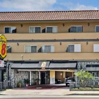 Super 8 by Wyndham Inglewood/LAX/LA Airport, hotel in Inglewood