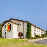 Super 8 by Wyndham Grayling, hotel in Grayling