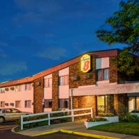 Super 8 by Wyndham Brooklyn Center/MPLS, hotel in Brooklyn Center