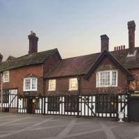 Ramada Crawley-Gatwick, hotel in Crawley