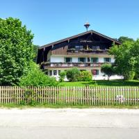 Fewo Chiemsee Spezial, hotel in Aschau im Chiemgau