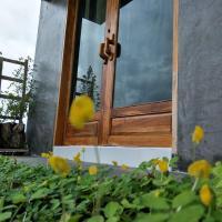 Teak villa, hotel in Thoeng