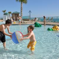 LAKETOWN 5 POOLs STEPS TO BEACH NO EXTRA FEES FAMILY FRIENDLY