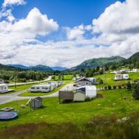 Smørdal Hytteutleie og Camping, hotel in Nordfjordeid