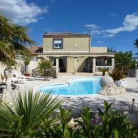 Villa Manet Portiragnes, hotel near Beziers Cap d'Agde Airport - BZR, Portiragnes