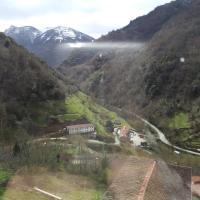 Casa rural OSO 4, hotel en Pola de Somiedo