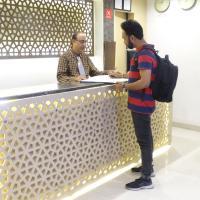 Hotel Sunshine Airport, hotel near Chhatrapati Shivaji International Airport Mumbai - BOM, Mumbai