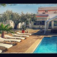 Mansion IBIZA Salou, hotel near Reus Airport - REU, Reus