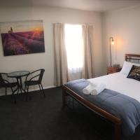 3ree- Spacious & Charming Apartment