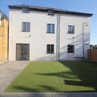 Holden Court Apartments -Apt 4