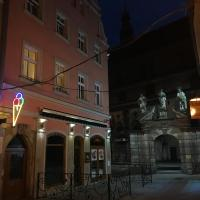 Willa przy Czarnej Bramie, hotel in Kłodzko