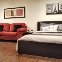 ** Quiet Comfy Guest House in Northridge close to CSUN **