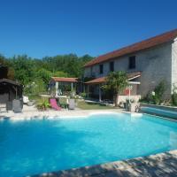 Domaine Des Catalpas, hotel in Souillac