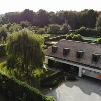 B&B Fox-House, hotel in Zingem
