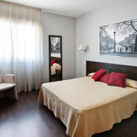 Hostal T4, hotel a Paracuellos de Jarama