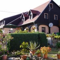 Ferienwohnung Hesse am Wachberg (Berghütte), Hotel in Saupsdorf