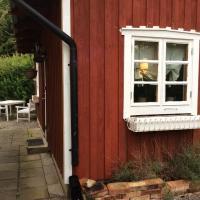 Lantligt, nära stan och E22, hotel in Sölvesborg