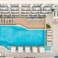 Samian Mare Hotel and Suites, hotel in Karlovasi