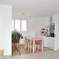 Appartement rouge, hotel v mestu Curemonte